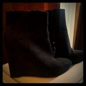 Guess boots women's size 10